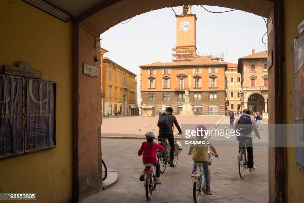 piazza prampolini the main town square of reggio emilia - reggio emilia stock pictures, royalty-free photos & images