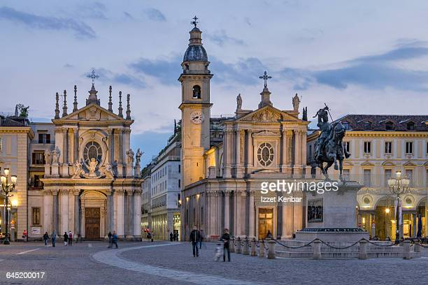 piazza san carlo at dusk hours,turin - piazza san carlo stock pictures, royalty-free photos & images