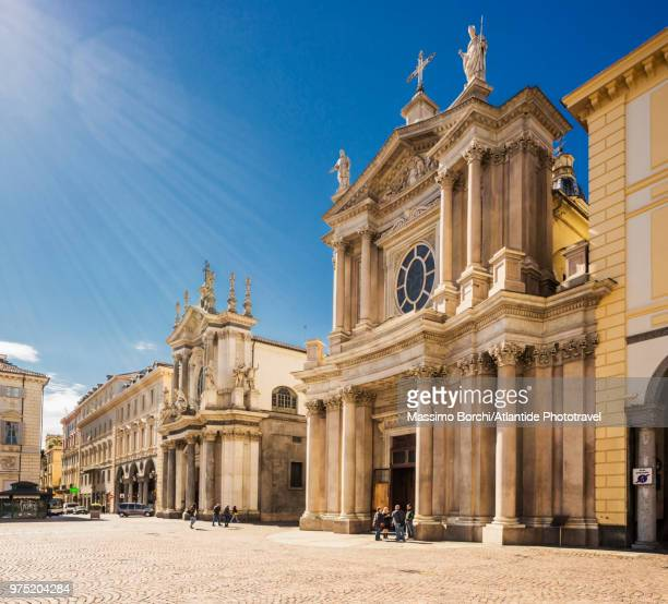 piazza san carlo, on the right side of the photo chiesa di san carlo borromeo, on the left side of the photo chiesa di santa cristina - piazza san carlo stock pictures, royalty-free photos & images