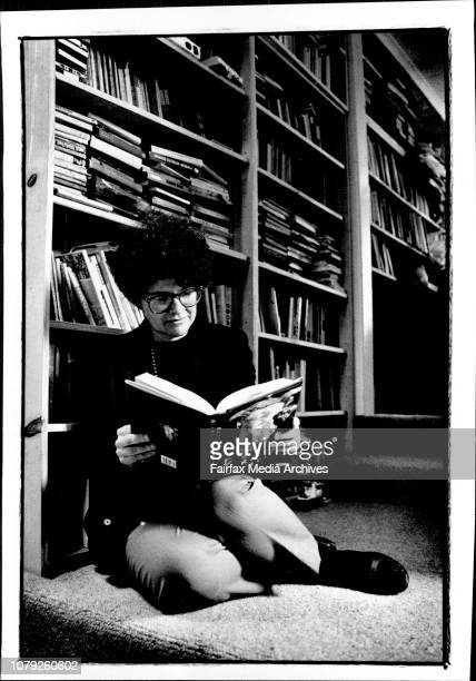 Pic of Kate Grenville authores Journo Cathy Armitage June 14 1994