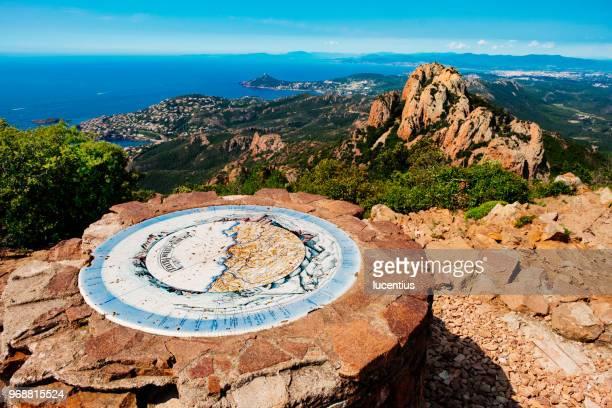 sommet du pic roux, provence, france - var photos et images de collection