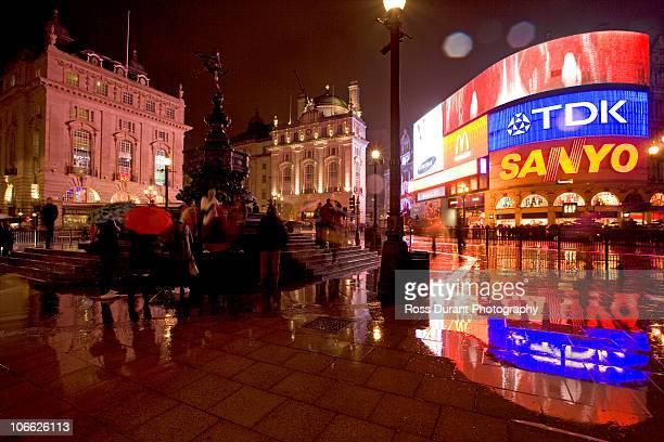 picadilly circus london uk - piccadilly circus imagens e fotografias de stock