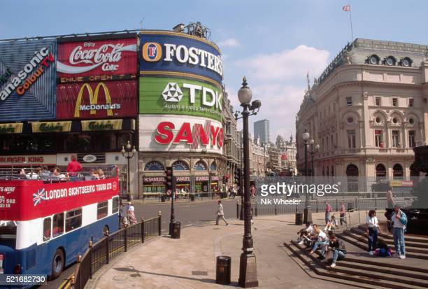 picadilly circus - archival stock pictures, royalty-free photos & images