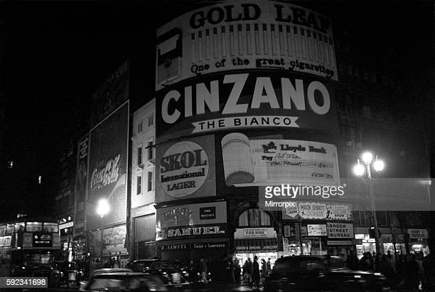 Piccadilly Circus is blacked out at 715 pm on Saturday 12 December 1970 due to power strike December 1970 7011708002