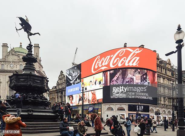piccadilly circus - london - piccadilly stock pictures, royalty-free photos & images