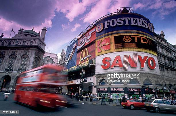 piccadilly circus - piccadilly stock pictures, royalty-free photos & images