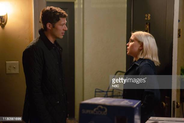 GIRLS 'Pick Your Poison' Episode 204 Pictured Zach Gilford as Gregg Mae Whitman as Annie Marks