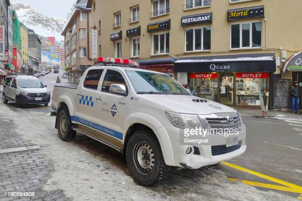 pick-up of the communal traffic service of pas de la casa - gwengoat stock pictures, royalty-free photos & images