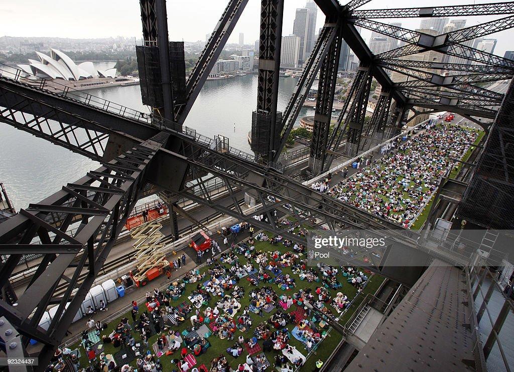 Sydney Hosts A Breakfast Picnic On The Sydney Harbour Bridge : News Photo