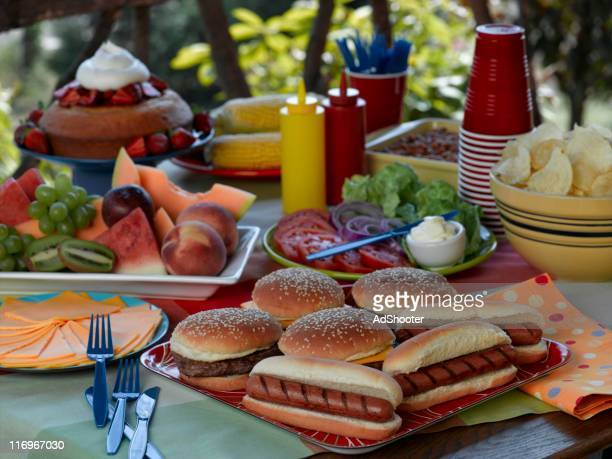 picnic - tailgate party stock pictures, royalty-free photos & images