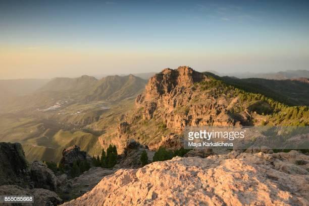 pico de las nieves sunrise, gran canaria, canary islands - isla de gran canaria fotografías e imágenes de stock