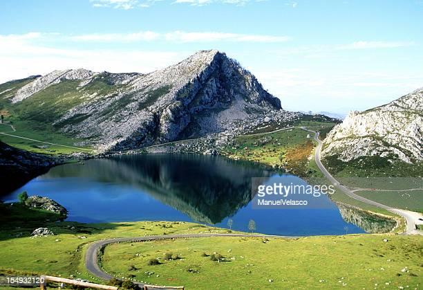 picos de europa - parque nacional fotografías e imágenes de stock