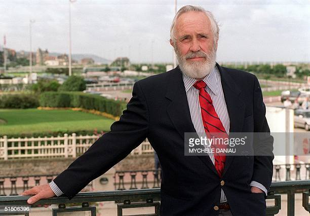 Picture dated 11 September 1992 of US actor Jason Robards posing for photographer during the Deauville US film festival northwestern France where he...