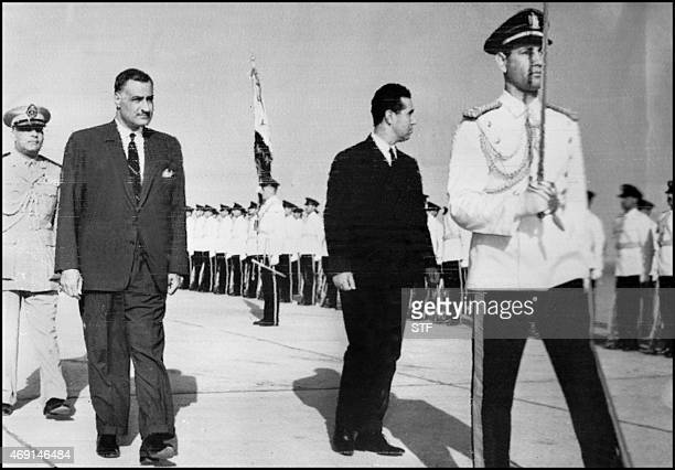 Picture dated 19 May 1963 of Algerian president Ben Bella with Egyptian president Nasser at his arrival in Cairo Accueilli par le président égyptien...