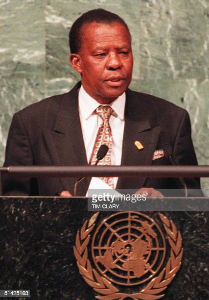 Picture dated 23 October 1995 shows Bostwana's President Ketumile Masire addressing the United Nations Masire announced 10 November his resignation...