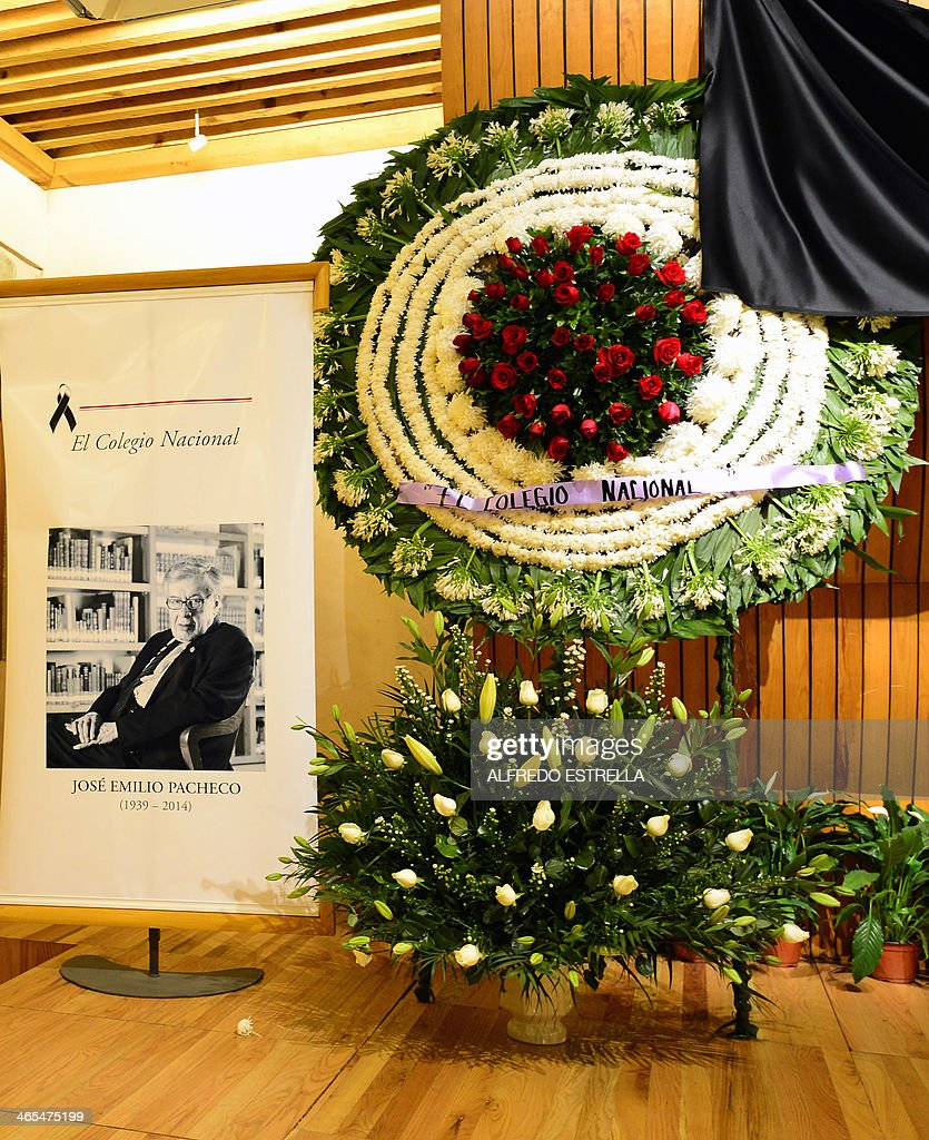 Picture of a banner and wreaths in honour of late mexican writer mexico literature jose emilio pacheco funeral news photo izmirmasajfo