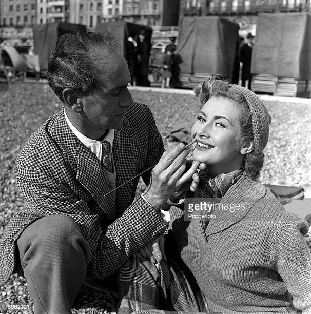 1952 A picture of British actress Dinah Sheridan being madeup by a makeup artist on the set of the film Genevieve