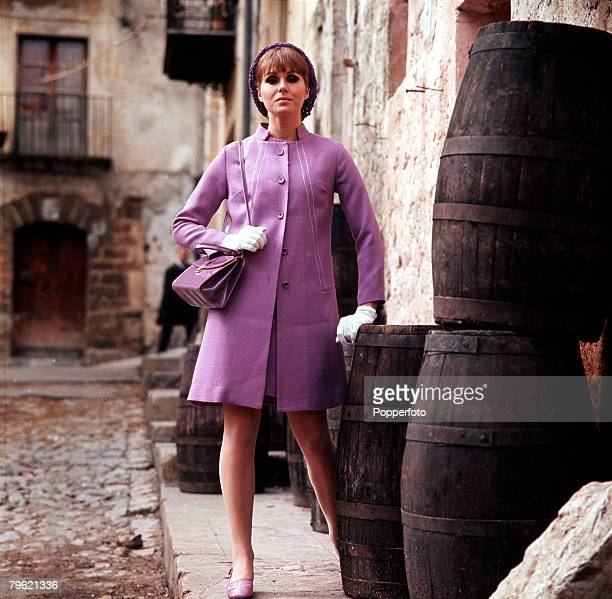 1968 A picture of British actress Joanna Lumley modeling fashionable clothes of the sixties