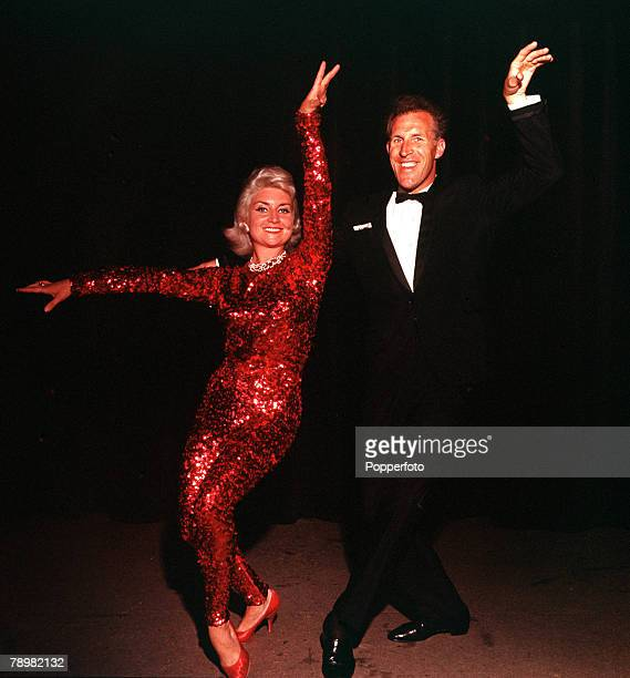 1961 A picture of British entertainer Bruce Forsyth and his wife Penny