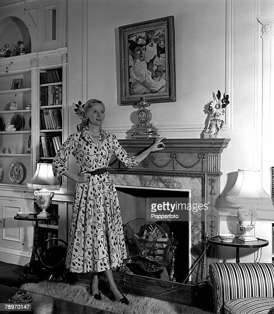 1951 A picture of British film star Ann Todd pictured in her home