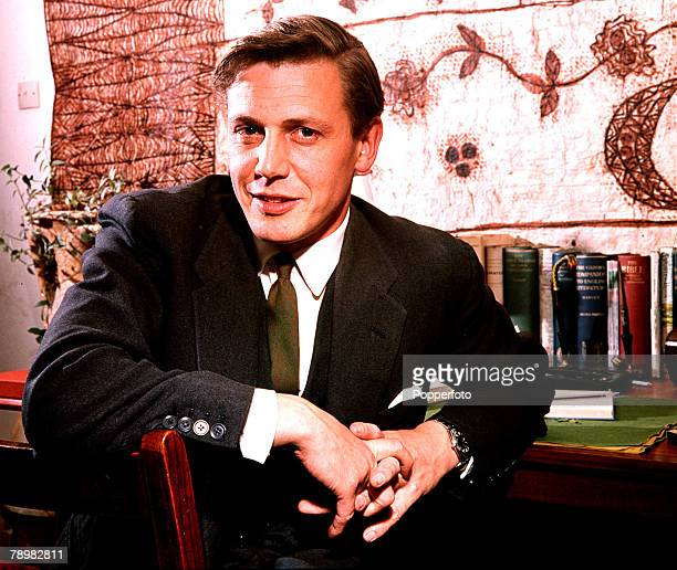 1962 A picture of British naturalist and broadcaster David Attenborough