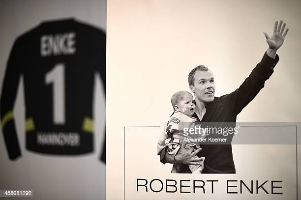 A picture of national goalkeeper Robert Enke together with his daughter Lara is shown to the public at the special exhibition 'ROBERT gedENKEn' at...