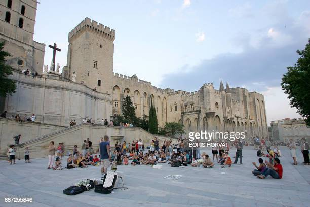Picture of the Palais des Papes taken 13 July 2005 in Avignon during the Avignon Theatre Festival held in southern France AFP PHOTO BORIS HORVAT /...