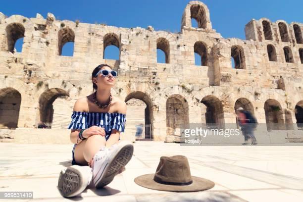 picture of woman tourist in athens - mitologia greca foto e immagini stock