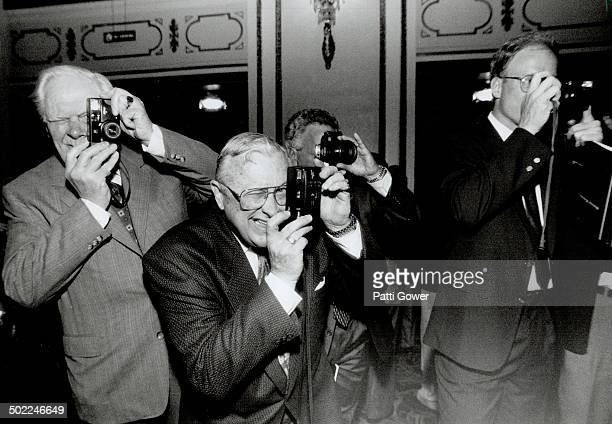 Picture perfect Legendary Omaha investor Warren Buffett can do little wrong as far as his snaphappy shareholders are concerned