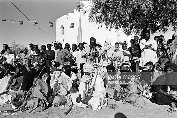 Picture released on February 15, 1977 showing Tuaregs sitting, in Tombouctou, near the desert.