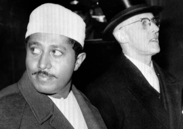 Picture released on January 21 1964 of Sultan Jamshid bin Abdullah arriving in London after being overthrown by John Gideon Okello named president of...