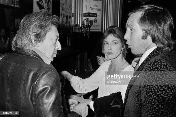 Picture released on May 19 1976 of British actress and singer Jane Birkin French singer and musician Serge Gainsbourg and BelgianItalian Salvatore...