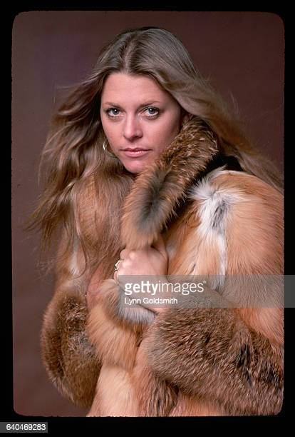 1978 Picture shows actress Lindsay Wagner posing in a fur coat