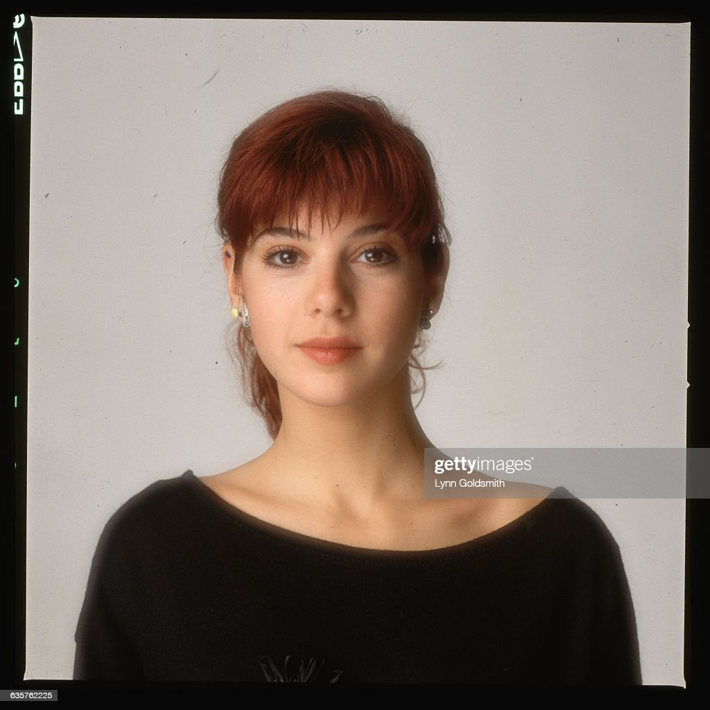 1998- Picture shows actress, Marisa Tomei, wearing a black ...
