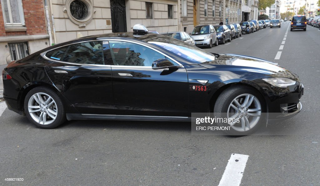 a picture shows an electric tesla s taxi of the taxis bleus company news photo getty images. Black Bedroom Furniture Sets. Home Design Ideas