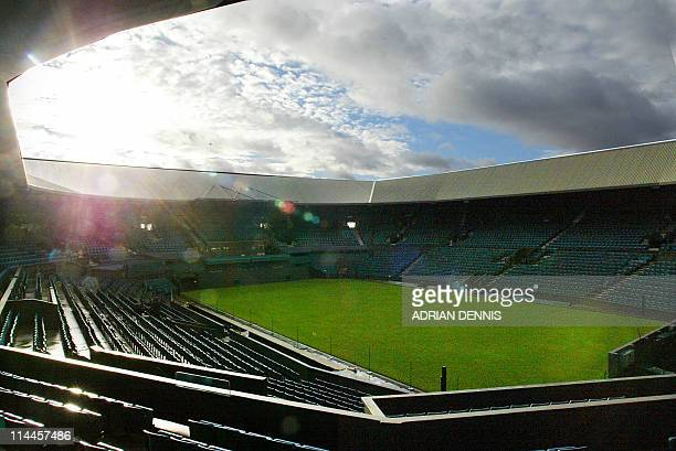 Picture shows centre court at The All England Lawn and Tennis Club in Wimbledon 06 January 2004. Innovative plans for the future to modernise Centre...