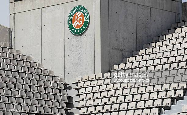 A picture shows empty seats on Suzanne Lenglen court on May 19 2011 at the RolandGarros stadium in Paris during the third qualifying day of the Grand...