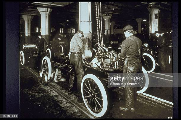 FORD ASSEMBLY LINE, 1900