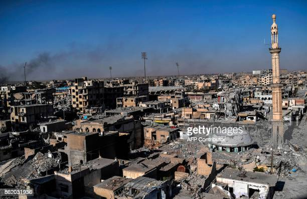 A picture shows the area near Raqa's stadium as Syrian Democratic Forces clear the last positions on the frontline on October 16 2017 in the Islamic...