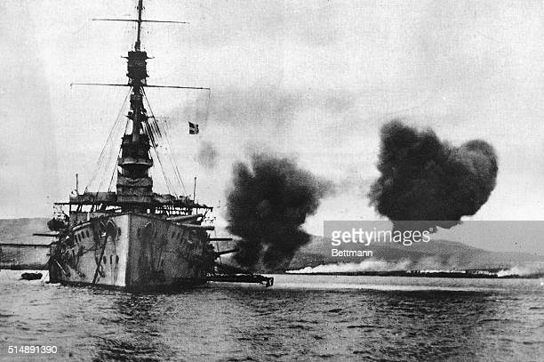 Picture shows the disaster at Gallipoli The British ship HMS Cornwallis returns fire at the Turks At the right you can see big fires raging on the...