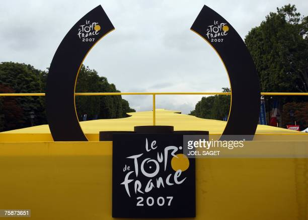 Picture shows the empty podium after the twentieth and last stage of the 94th Tour de France cycling race between Marcoussis and Paris 29 July 2007...