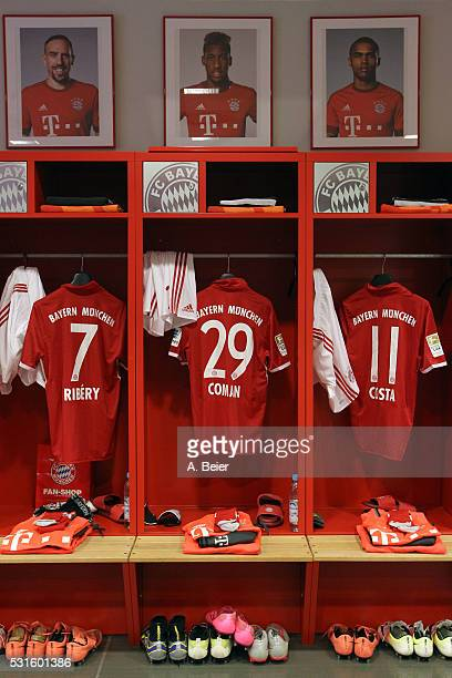 Picture shows the lockers with jerseys for the football season 2016/17 of Bayern Muenchen players Douglas Costa Kingsley Coman and Franck Ribery...