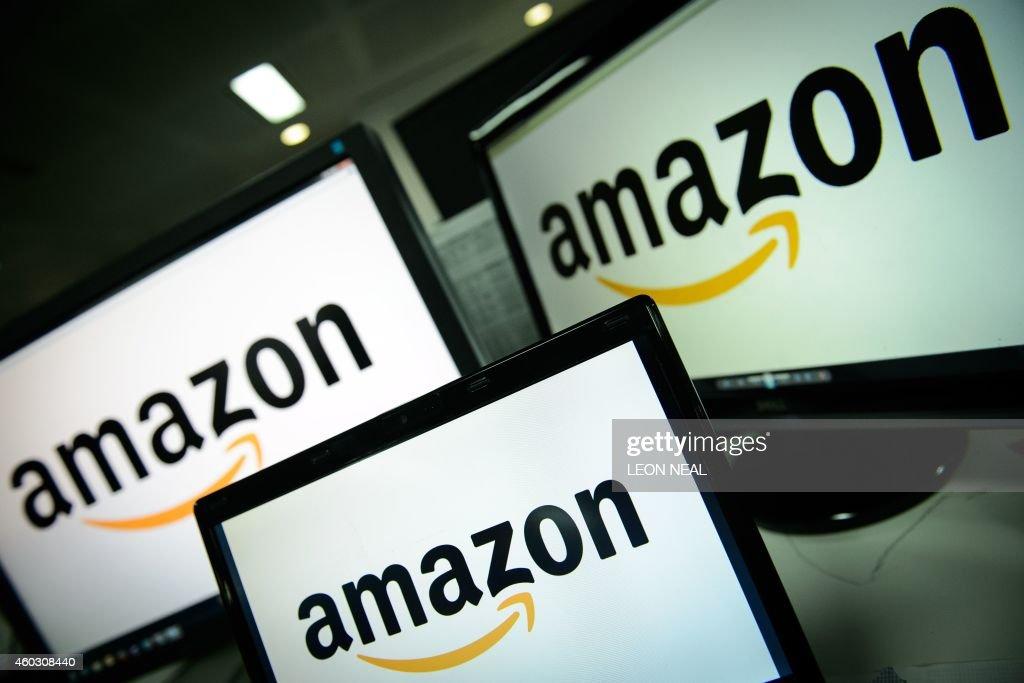 BRITAIN-BUSINESS-RETAIL-AMAZON : News Photo