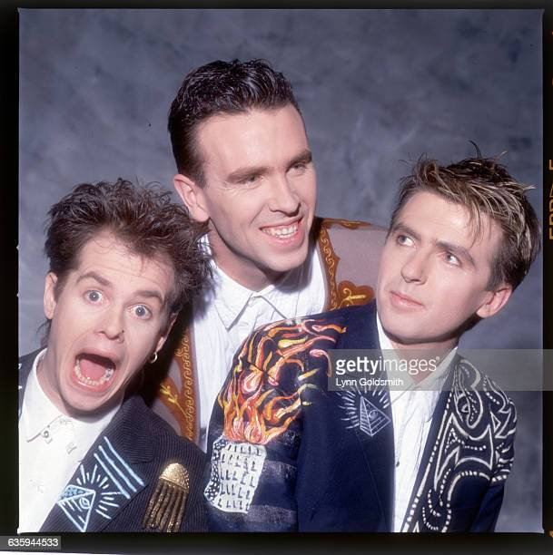 1988 Picture shows the members of the band Crowded House posing together in a studio