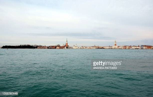 Picture shows the Venice lagoon without boats in Venice on March 5, 2020. - Italy closed all schools and universities until March 15 to help combat...