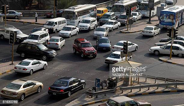 A picture shows traffic congestion 31 October 2004 in Kuwait City after a power cut that effected the traffic light system and caused traffic...