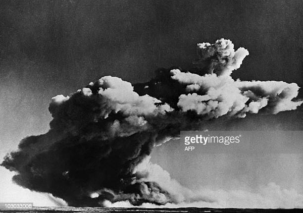 Picture taken 03 October 1952 of the test of the british first nuclear bomb in the Archipelago of Montebello