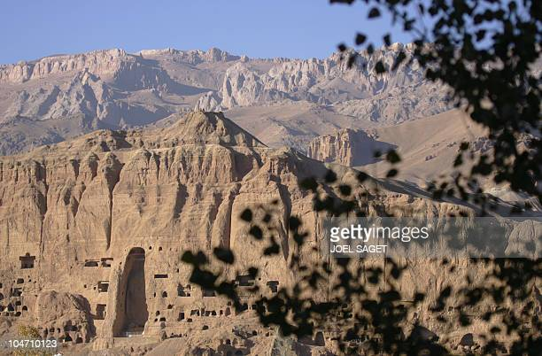 Picture taken 06 November 2005 shows the mountain that sheltered the Bamiyan giant Buddhas destroyed by talibans in 2001 AFP PHOTO JOEL SAGET Vue...