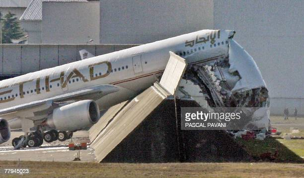A picture taken 16 November 2007 at Toulouse's airport in Blagnac of the Airbus A340 carrying out engine tests that crashed into the barrier injuring...