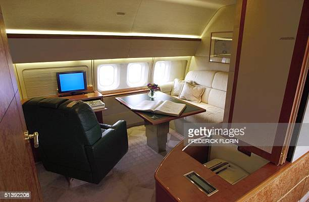 A picture taken 17 June 2001 shows the interior of a Boeing 737 Business Jet geared to provide an officeinthesky environment at the 44th ParisLe...